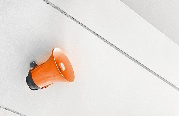 Mégaphone orange - Ton entreprise a sa propre voix